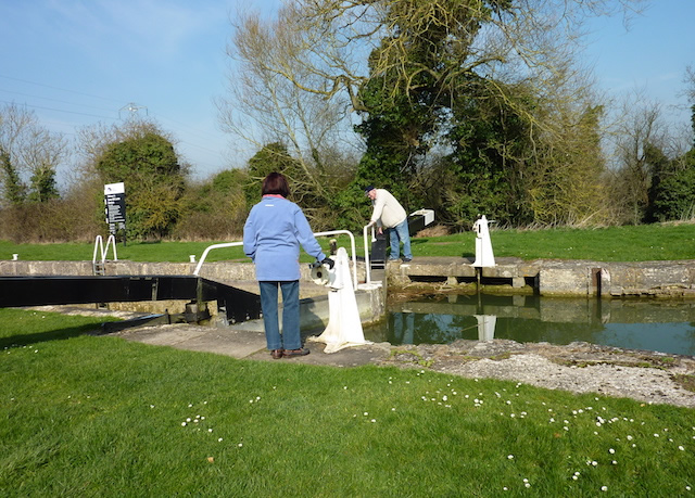 Operating a Canal Lock